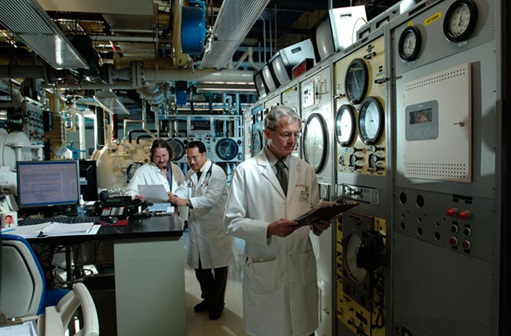 Researchers in hyperbaric champber