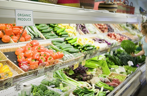 Organic vegetables in grocery store