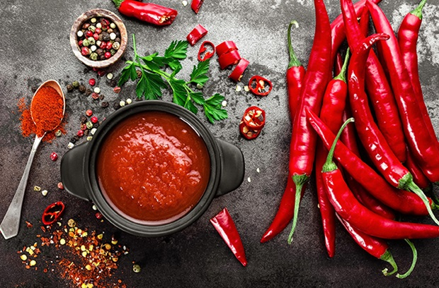 red_pepper_flakes_red_chili_peppers_red_hot_sauce_red_cayenne_pepper_hot_spicy_foods
