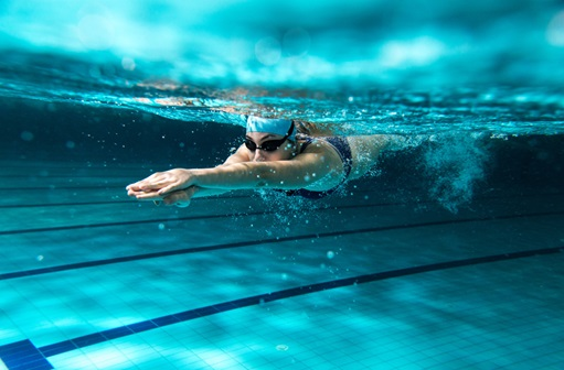 woman swimming in lap lane
